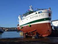 Le chalutier Gloire à Dieu, construit par un chantier naval dieppois, prend la mer (Manche Industrie Marine)